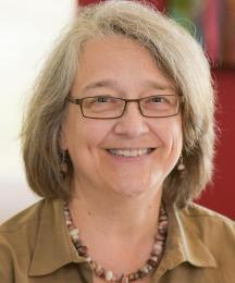 Portrait photo of Lori Berg
